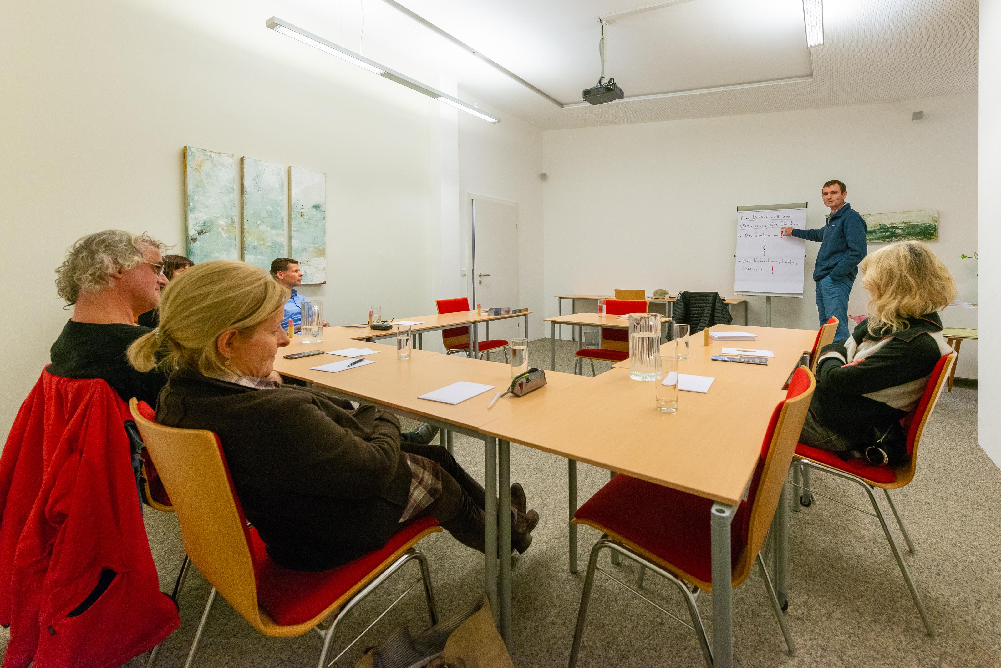 Lange Nacht der Philosophie: SinnZENTRUM Salzburg - Philosophische Gesprächsrunde Zu Fragen der Logotherapie und Existenzanalyse